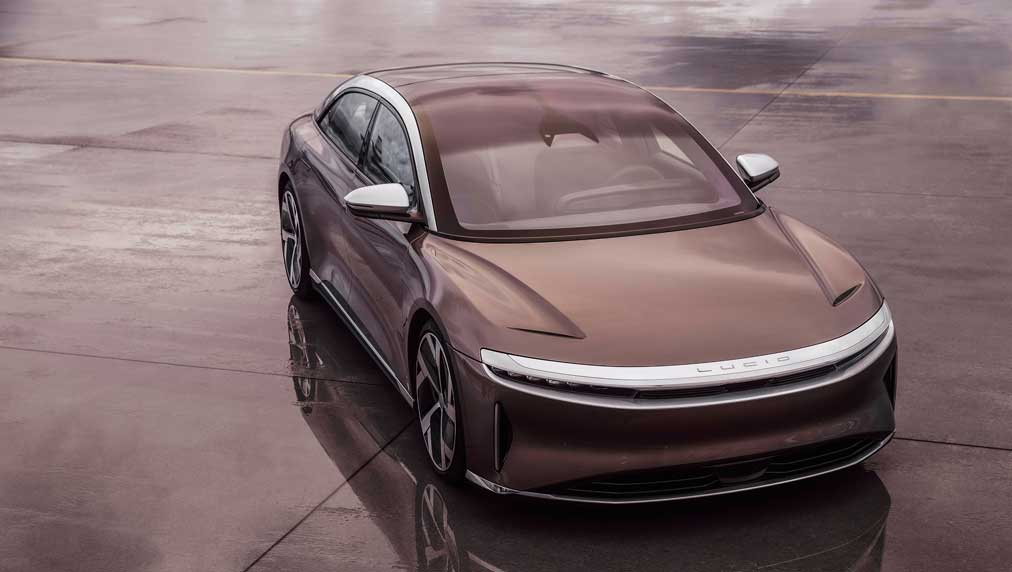 lucid-eyes-buy-point-as-air-deliveries-loom-with-520-mile-range,-outgunning-tesla