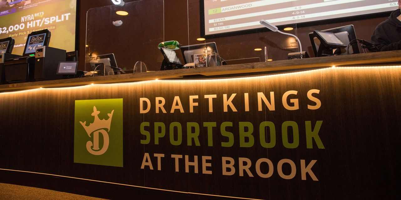 draftkings-wants-to-buy-entain-in-$22-billion-deal-it-faces-an-mgm-problem.