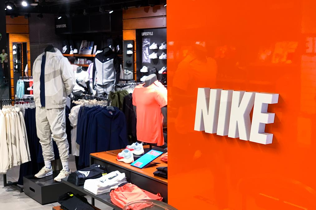 nike-earnings-preview:-supply-chain-issues-loom