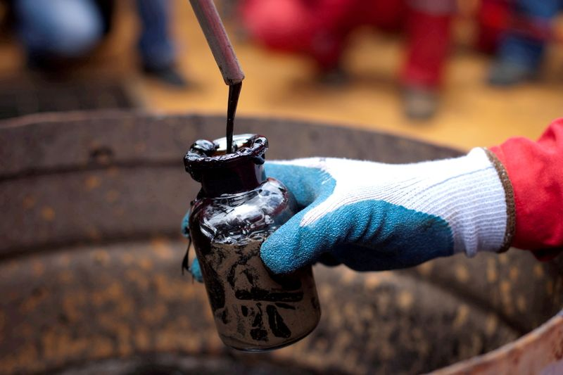 oil-heads-for-third-week-of-gains-as-output-stumbles