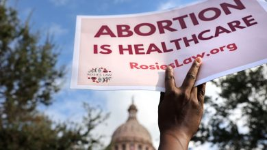 Photo of U.S. appeals court reinstates Texas abortion law, two days after it was halted