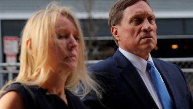 Photo of Two wealthy dads convicted in first U.S. college admissions scandal trial